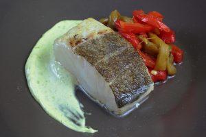 Bacalao, pimientos asados & mayonesa de cebollino