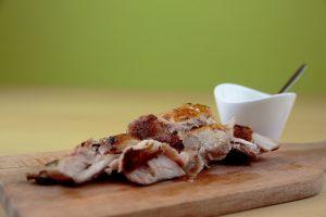 Pollo a baja temperatura & braseado con salsa de mostaza
